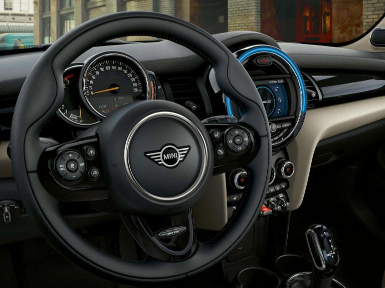 MINI 3-door hatch – steering wheel/cockpit